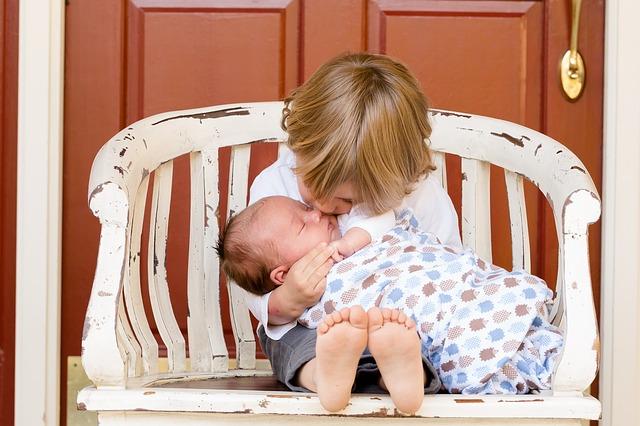 Αδέρφια: μια δυναμική σχέση μετάλλαξης και εκπλήξεων!